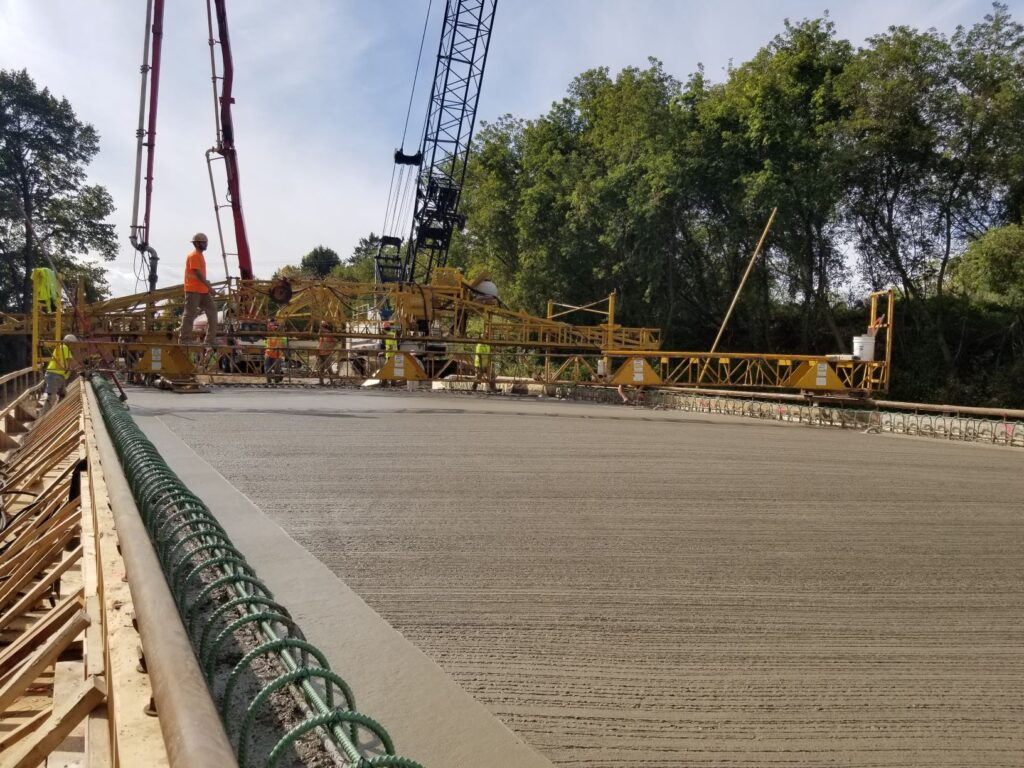 2020.10.06 Pw 13th Ave Bridge Graef Deck Pour 2 Lkg South